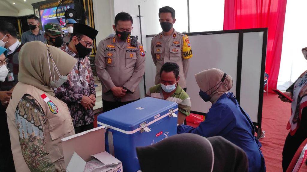 Giliran Pemulung-Tunawisma Jadi Sasaran Vaksinasi COVID-19 di Jombang
