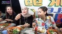 5 Momen Nagita Slavina Boyong Resto Padang hingga Warung Pecel Lele ke Rumahnya