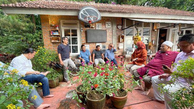 Amien Rais, Gatot Nurmantyo, hingga Sohibul Iman bertemu di rumah Rocky Gerung di Bojong Koneng, Bogor.