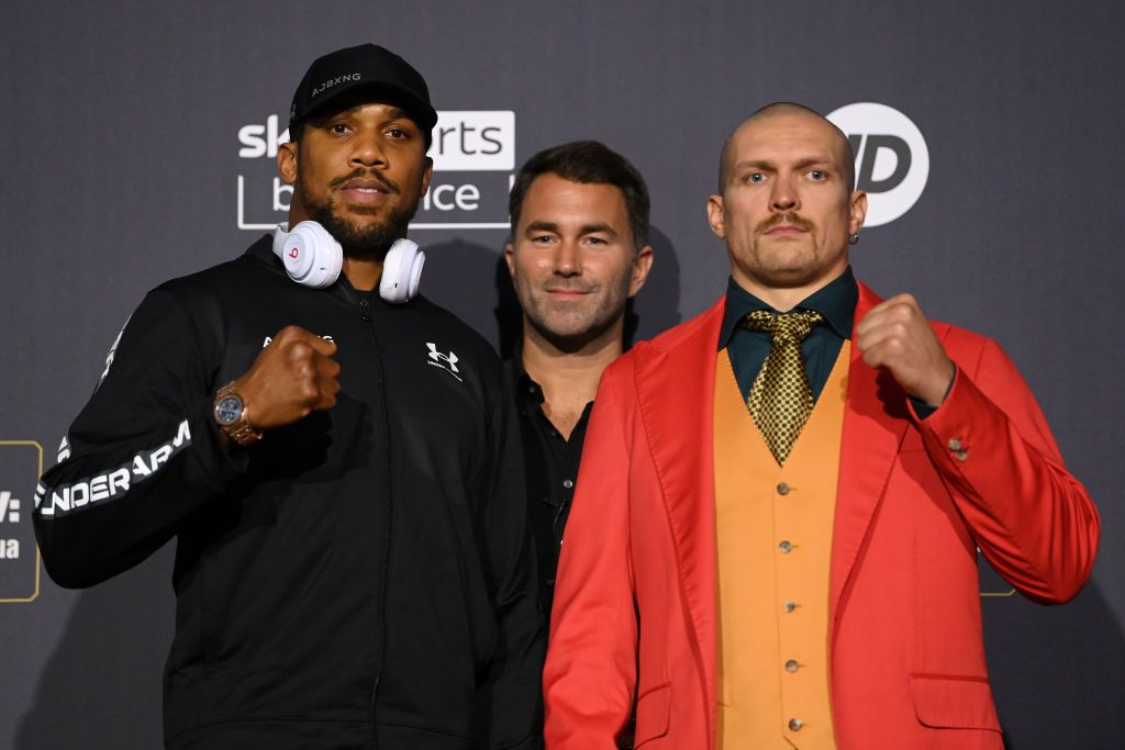 LONDON, ENGLAND - SEPTEMBER 23: Anthony Joshua and Oleksandr Usyk bump fists during a Press Conference ahead of the heavyweight fight between Anthony Joshua and Oleksandr Usyk at Tottenham Hotspur Stadium on September 23, 2021 in London, England. (Photo by Justin Setterfield/Getty Images)