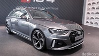 First Impression Audi RS 4 Avant: Ngakunya Family Car tapi Mesinnya Sangar