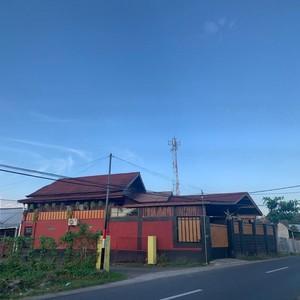Viral Rumah Ditutupi Pagar Tinggi, Diintip Isinya Bikin Netizen Takjub