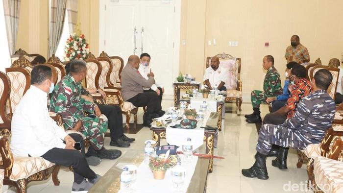 Gubernur Papua pimpin rapat persiapan PON