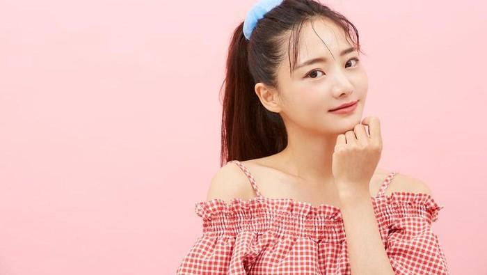 Ilustrasi gadis Korea.