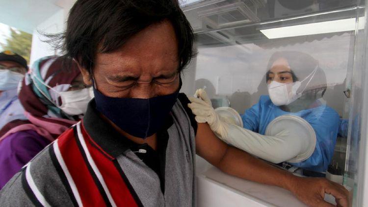 Kapal Ini Dipakai untuk Vaksinasi Masyarakat Kepulauan