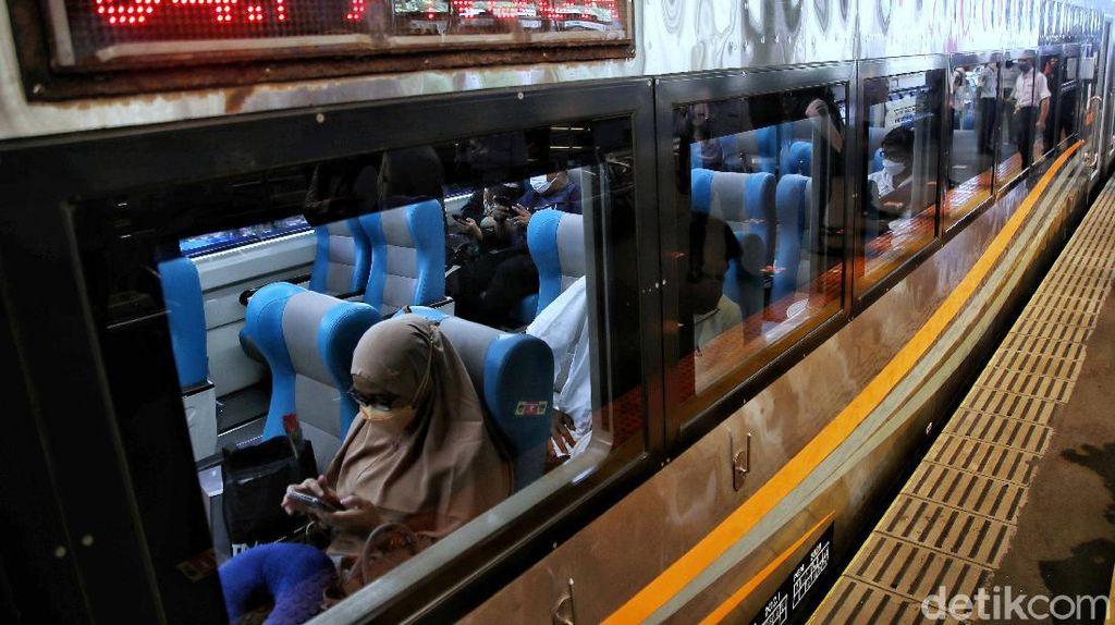 Cocok buat yang LDR! Gambir-Yogyakarta Naik Kereta Cuma 6 Jam