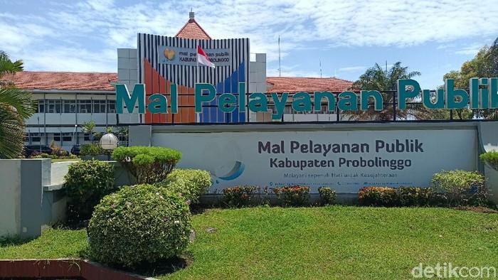 Kamis (23/9), KPK melakukan penggeledahan di kantor Dinas PUPR Pemkab Probolinggo. Kini giliran Mal Pelayanan Publik (MPP) yang digeledah.
