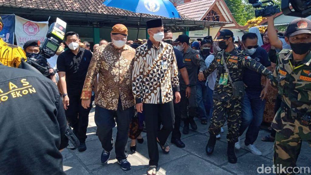 Airlangga-Ganjar Kompak Hadiri Yaqowiyu Klaten, Pemanasan Pilpres?
