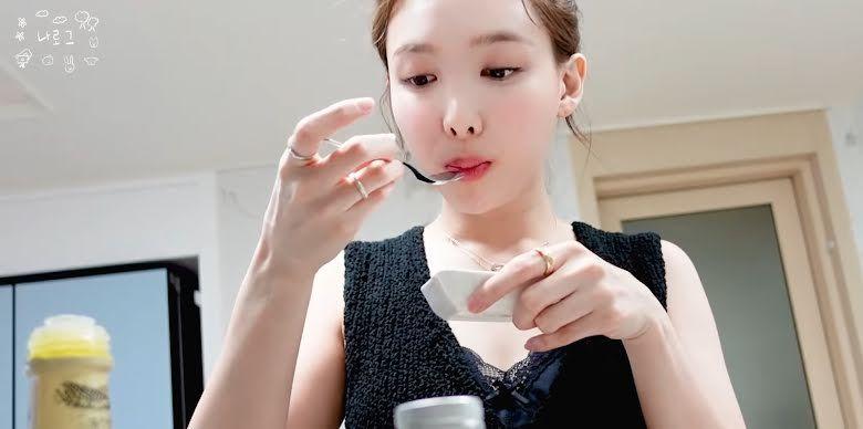 Disebut Aneh, Nayeon TWICE Hobi Makan Mentega dan Minyak Goreng