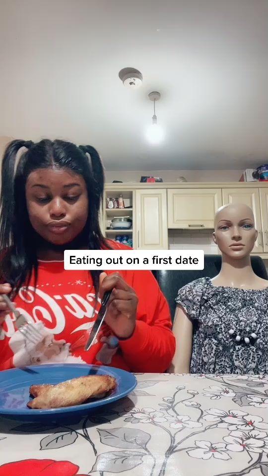 Parodikan Kebiasaan Makan saat Pacaran, Remaja Ini Sukses Jadi Seleb TikTok