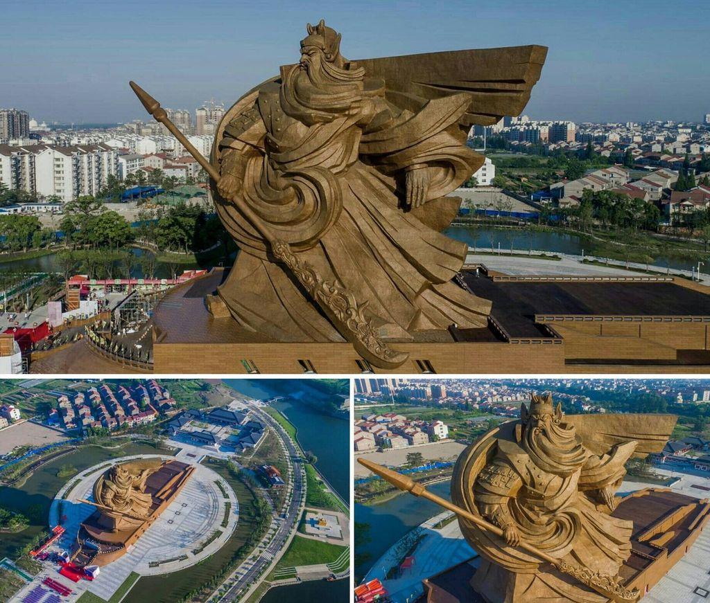 Patung Guan Yu di Jingzhou. (Tangkapan Layar via twitter @garfxist)
