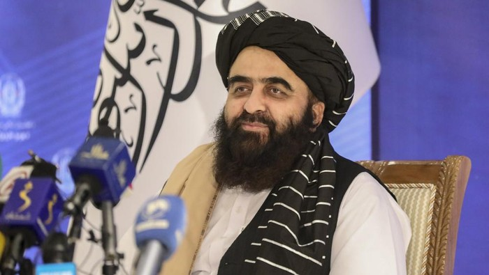 The foreign minister in Afghanistan's new Taliban-run Cabinet, Amir Khan Muttaqi, gives a press conference in Kabul, Afghanistan, Tuesday, Sept. 14, 2021. Muttaqi said Tuesday that the government remains committed to its promises not to allow militants to use its territory to attack others. (AP Photo/Muhammad Farooq)