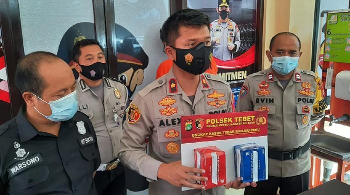 Polisi tangkap tukang tambal ban yang tebar ranjau paku di Jl Gatsu