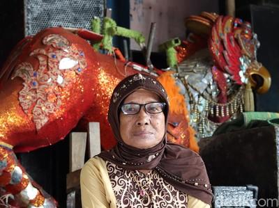 Penuturan Penari Ronggeng Goyang Karawang Terakhir: Kerap Disawer di Bokong