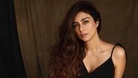 Kenalan dengan Tabu, Bintang Bollywood yang Masih Melajang di Usia 50 Tahun