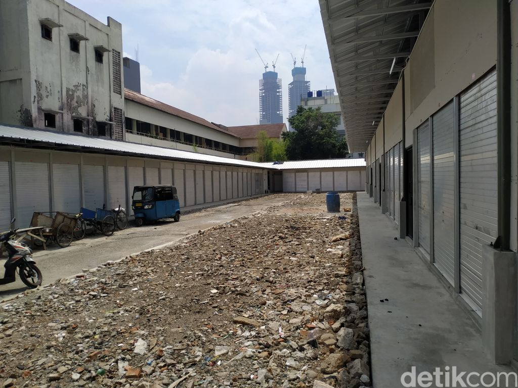 Tempat penampungan sementara pascakebakaran Pasar Kambing atau Pasar Lontar di Tanah Abang, 24 September 2021. (Athika Rahma/detikcom)