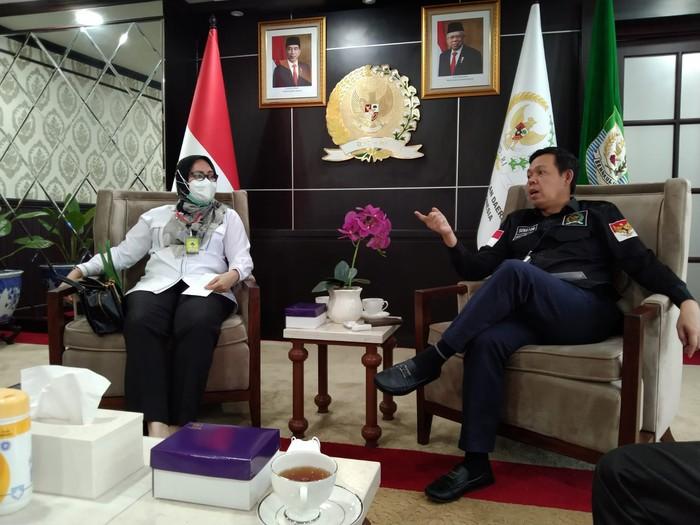 Wakil Ketua DPD asal Bengkulu Sultan B Najamudin akan mengunjungi Pulau Enggano yang merupakan salah satu pulau terluar Indonesia. Kunjungan ini dimaksudkan untuk membahas pembangunan Tol Palembang-Bengkulu.