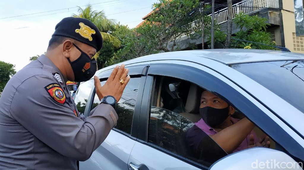 Melihat Penerapan Ganjil-Genap Hari Pertama di Bali