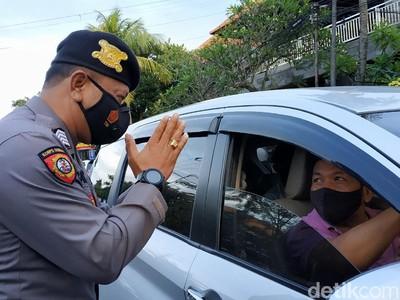 Bali Terapkan Ganjil Genap, Sandiaga: Antisipasi Travel Madness