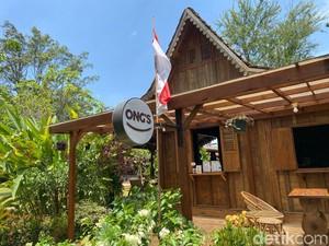 Ngopi Santai di Rumah Joglo Tersembunyi yang Ada di Perbatasan Tangerang-Depok