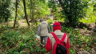 Melihat Vaksinasi Door to Door Susuri Sawah-Hutan di Kulon Progo