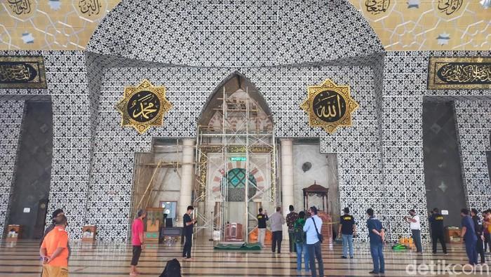 Mimbar Masjid Raya Makassar dibakar OTK.