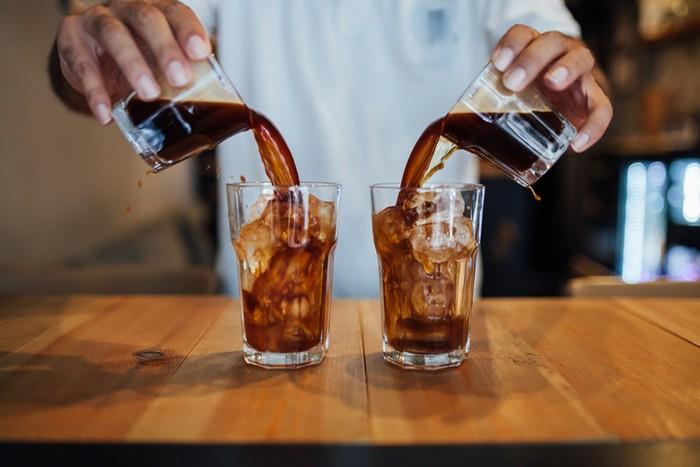 Serupa tapi Tak Sama! Ini 5 Perbedaan Es Kopi dan Cold Brew