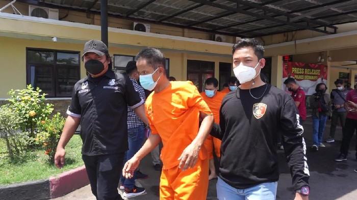 Polisi Tangkap Komplotan Gembos Ban di Indramayu