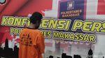 Tampang Pria Pembakar Mimbar Masjid Raya Makassar