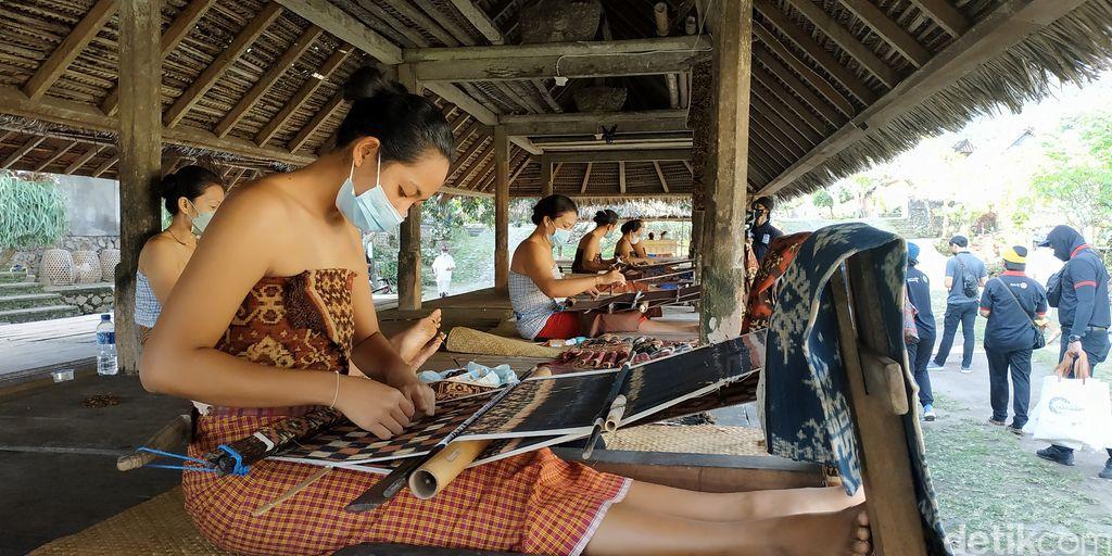 Tenganan Pegringsingan, Desa Wisata 'Bali Kuno'