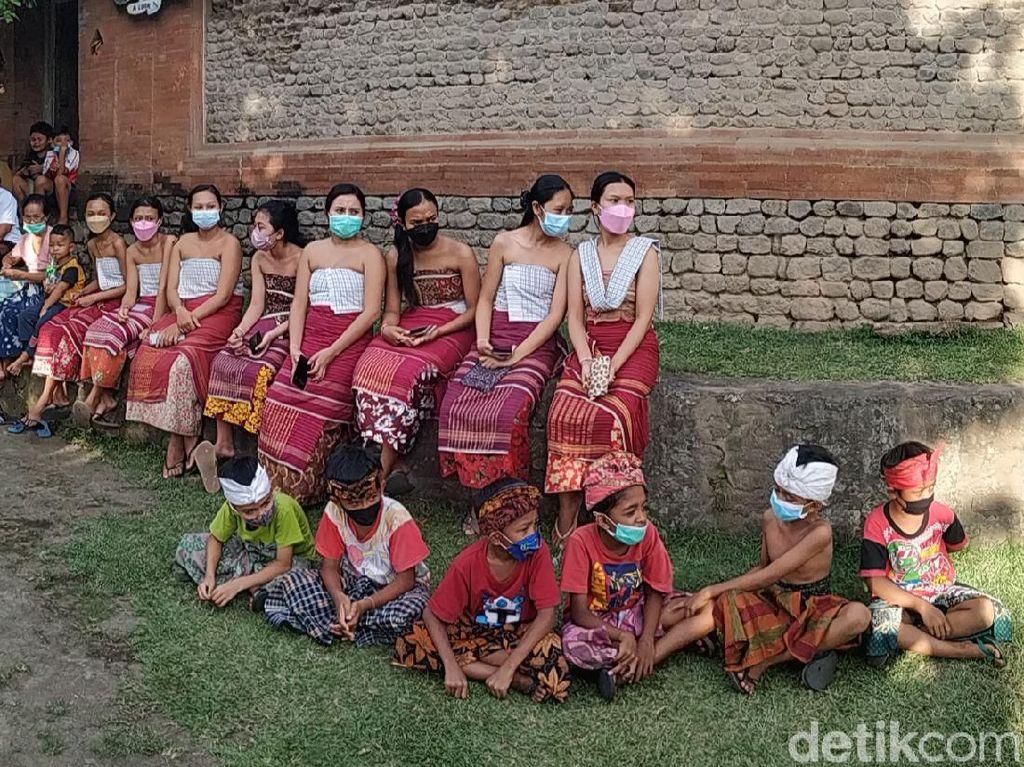 Lebih Dekat ke Tenganan Pegringsingan, Desa Wisata Bali Kuno