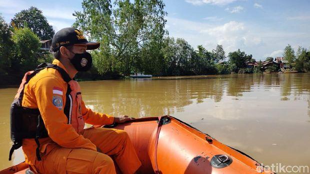 Tim SAR temukan buaya saat mencari bocah hilang di sungai di Kaltim. (dok. Istimewa)