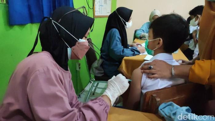 Vaksinasi Pelajar di Ciamis