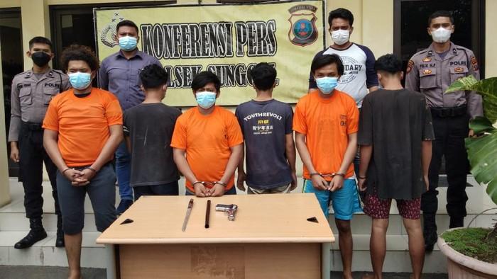 6 anggota geng motor di Medan ditangkap usai merusak kafe (Dok istimewa)