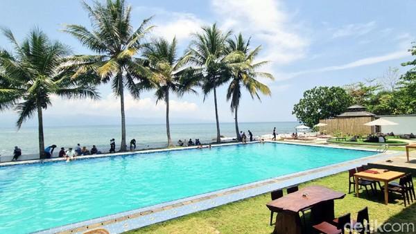 Radi mengungkap, konsep Laplage Beach Club mengadaptasi konsep lokasi wisata terkenal di Bali dan sama-sama menonjolkan wisata keindahan pantai sambil bersantai atau berenang ditemani deburan ombak.