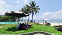 Bukan Bali, Beach Club Ini Ada di Pelabuhanratu