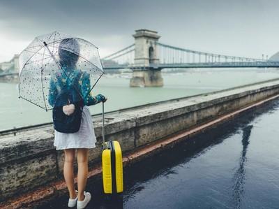 Tips Liburan Tetap Asyik Saat Musim Hujan