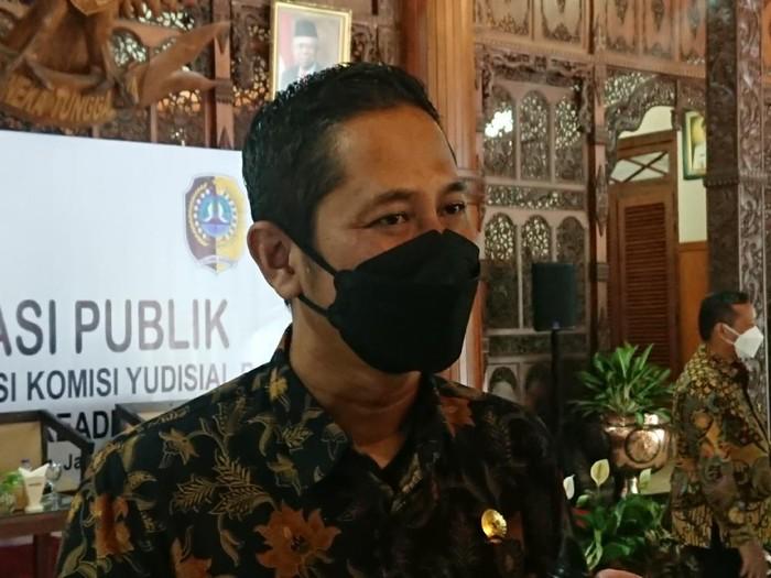 Ketua Komisi Yudisial, Mukti Fajar Nur Dewata di tulungagung