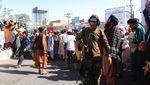 Mayat Penculik yang Digantung Taliban Jadi Tontonan di Afghanistan
