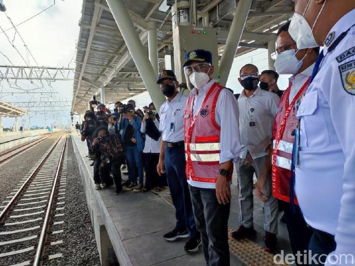 Menhub Budi Karya Sumadi mengecek Stasiun Manggarai (Nahda Rizki Utami/detikcom)