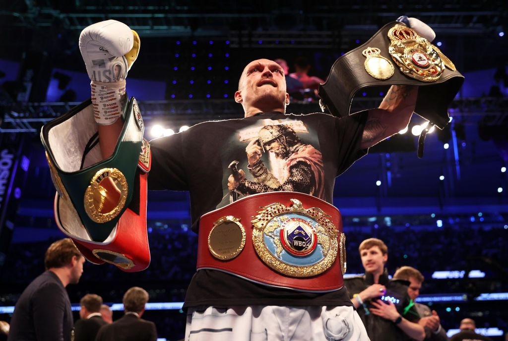 LONDON, ENGLAND - SEPTEMBER 25: Oleksandr Usyk celebrates after being crowned the new World Champion following the Heavyweight Title Fight between Anthony Joshua and Oleksandr Usyk at Tottenham Hotspur Stadium on September 25, 2021 in London, England. (Photo by Julian Finney/Getty Images)
