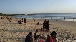 Pantai Kuta Bali Sudah Buka, Langsung Diserbu Wisatawan