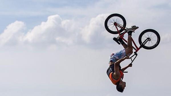 Konsepnya yang unik membuat festival ini diminati oleh para pecinta olahraga ekstrem.