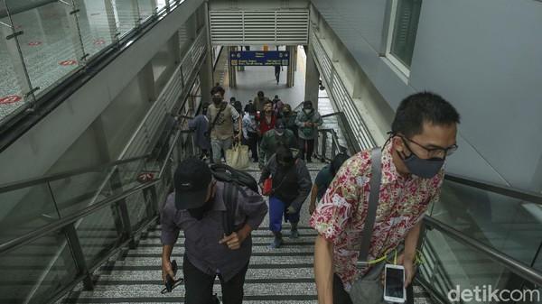 Sebagai salah satu bangunan yang sarat akan sejarah, Stasiun Jatinegara pun telah ditetapkan sebagai bangunan cagar budaya yang terdaftar di Kementerian Kebudayaan dan Pariwisata. Di tengah perubahan zaman dan meningkatnya mobilisasi masyarakat, Stasiun Jatinegara masih berdiri sebagai stasiun yang menjadi penghubung daerah penyangga Ibu Kota dengan Jakarta.