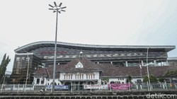 Wajah Modern Stasiun Jatinegara yang Sarat Sejarah