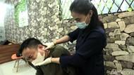 Pengalaman Diremehkan oleh Pasien sebagai Fisioterapis Wanita