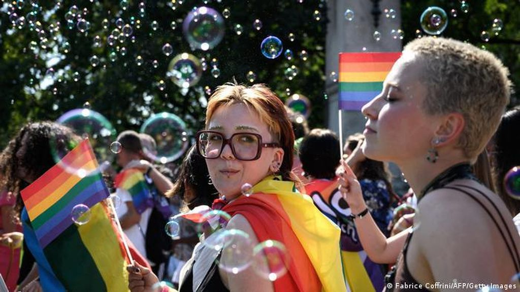 Swiss Tidak Lagi Larang Pernikahan Pasangan Sesama Jenis