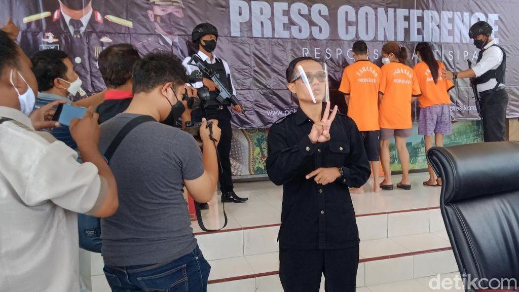 Kisah Guru di Klaten yang Nyambi Jadi Juru Bahasa Isyarat