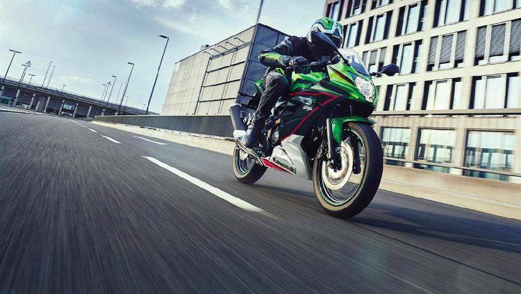 Tampilan Baru Kawasaki Ninja 125 dan Z125, Keren Nggak?
