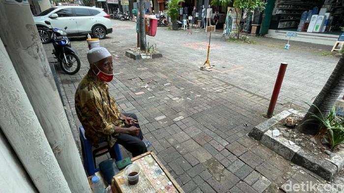 Pasar Baru, Jakarta Pusat, terus bekerja keras untuk kembali bangkit selama pandemi COVID-19. Berikut foto-foto suasana terkininya!